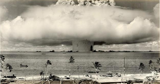 cp8205_Atomic Bomb explosion