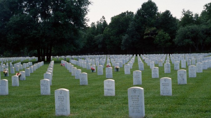Florida National Cemetery, Headstones, war heroes