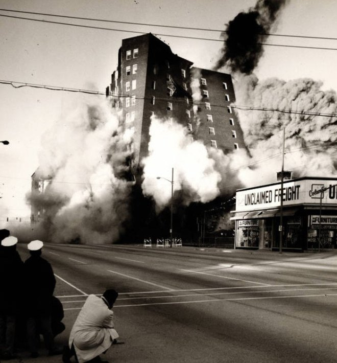 hotel-columbia-demolition-11-21-1971-700x754